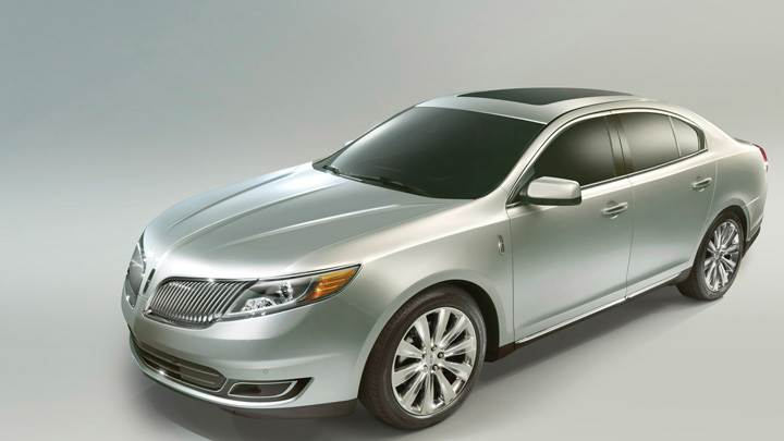 2013 Lincoln MKS In Silver Side Pose
